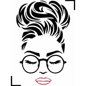 Nő szemüvegben